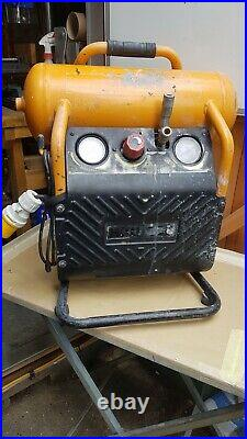 Bostitch 10 litre compressor Kit with guns x 2, extension lead and HP hose
